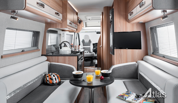 Luxury Campervan – 2-4 berth (Manual)4