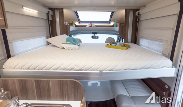 Luxury Motorhome : 2 or 4 Berth (Automatic)6