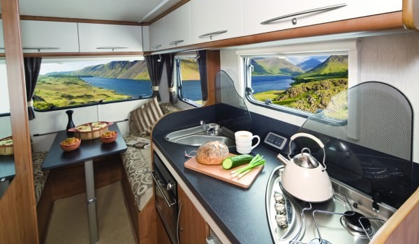 Premier Motorhome – 4 Berth with Rear Lounge10