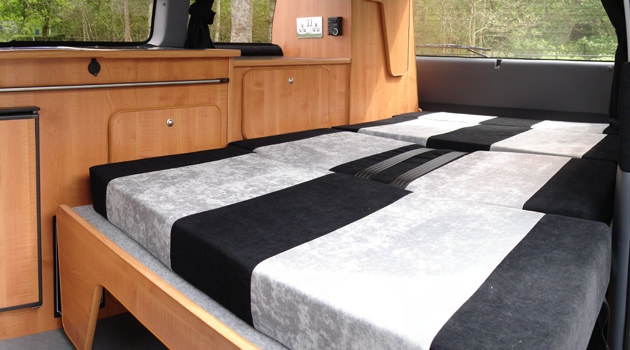 Compact Campervan – 2+2 Berth4