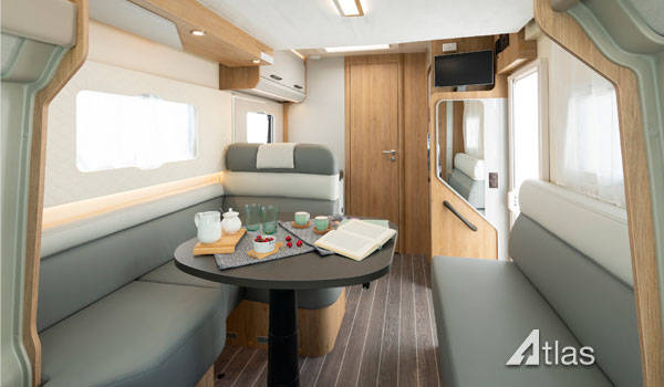 Luxury Motorhome : 2 or 4 Berth (Automatic)3
