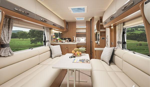 Luxury Grand Tourer : 2 Berth (Automatic)5