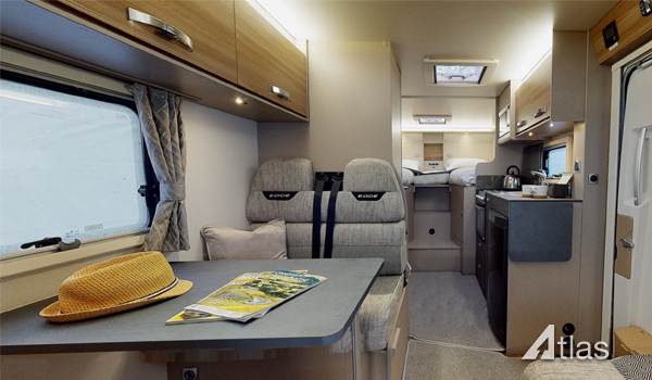 Premier Motorhome Hire: 6 berth with rear beds (Manual)4