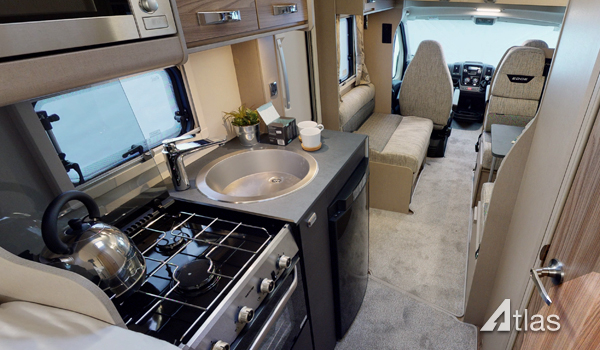 Premier Motorhome Hire: 6 berth with rear beds (Manual)5