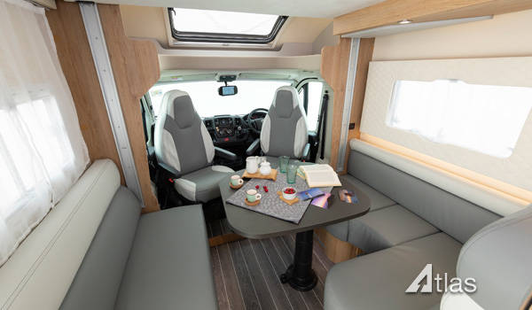 Luxury Motorhome : 2 or 4 Berth (Automatic)2